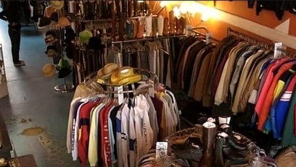 Negozi Adidas Abbigliamento Provincia di Arezzo : Negozi e