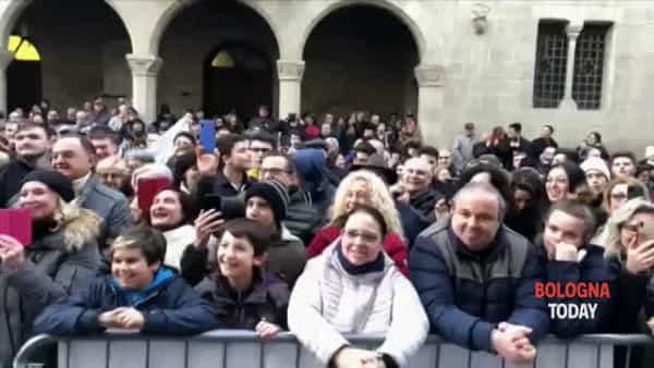 """Da """"Poveretti"""" a """"Belle ciao lì non ne vedo"""", Salvini 'graffia' i contestatori"""