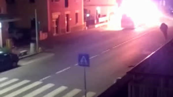 VIDEO| Autobus incendiato a Castenaso