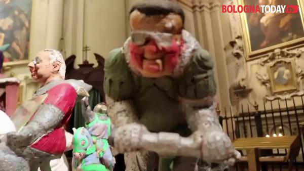 Tradizione, grottesco e ironia: ecco il presepe di Wolfango \ VIDEO