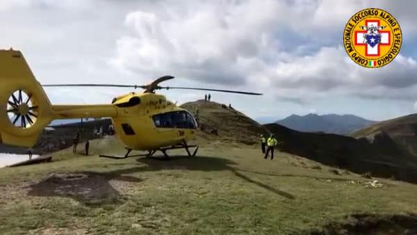 Elicottero a Corno alle Scale: soccorso un 13enne - VIDEO