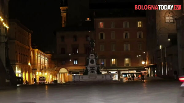 Week-end in zona rossa, le immagini di Bologna semi deserta | VIDEO
