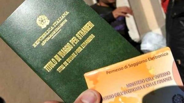 """Migranti, """"15 mesi per un permesso di soggiorno"""": protesta ..."""