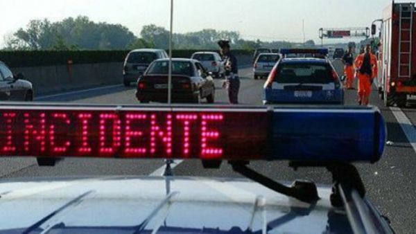 Incidente in A14: tamponamento a catena, paura per un bimbo