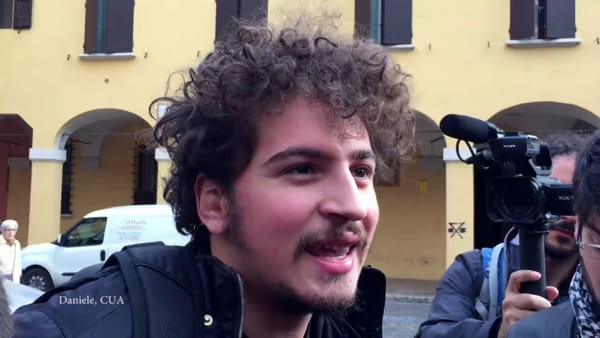 VIDEO| Studenti vs caro-mensa: 'Merola contatti l'università'