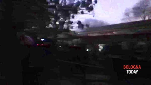 Sgombero Xm24 alla ex caserma Sani: irruzione della polizia all'alba | VIDEO