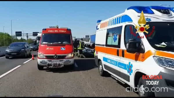 VIDEO| Incidente sulla A14: automobilista incastrato