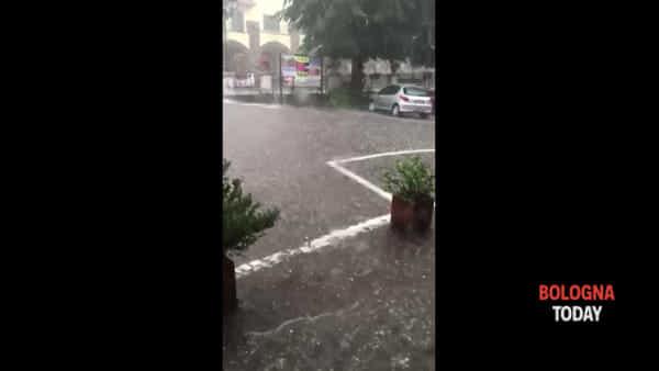 Maltempo in Appennino, forte grandinata a Monzuno | VIDEO