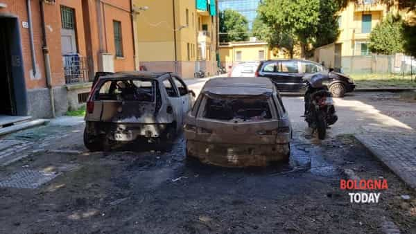 Il recente episodio di incendio all'interno del cortile di alcune case