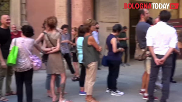 L'abbraccio di Bologna a Claudio Lolli | VIDEO