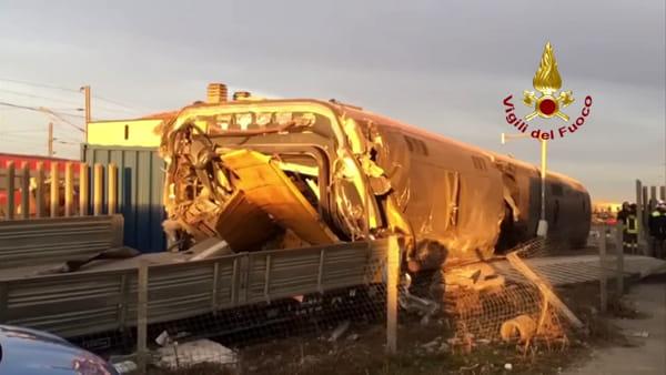 VIDEO| Treno deragliato sulla Milano-Bologna: le immagini della tragedia