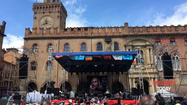 Il 1°maggio in Piazza Maggiore: comizio di Landini e live di Murubutu e Après la Classe