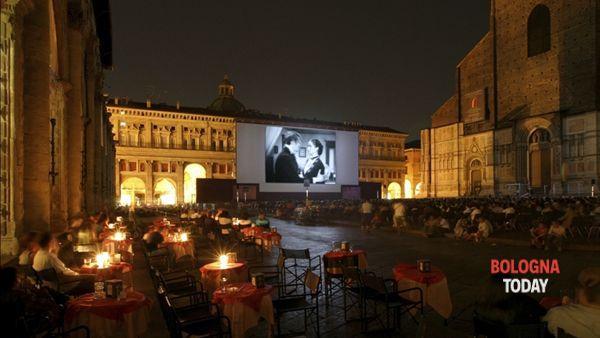 """""""Sotto le stelle del cinema"""": 56 sere d'estate in Piazza Maggiore"""