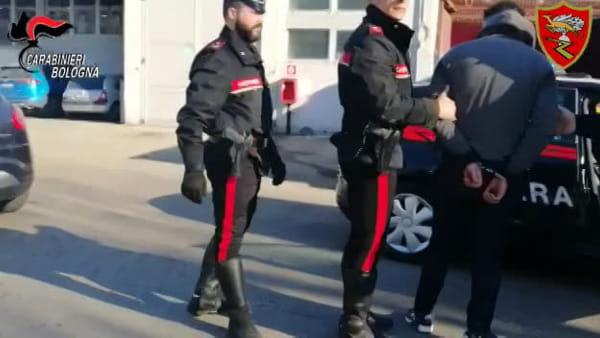 VIDEO| Carabinieri alla ex Manifattura Tabacchi: tra degrado ed escrementi