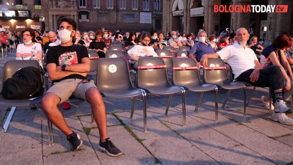 Torna il Cinema sotto le stelle: mascherine e meno posti ma stessa magia | VIDEO