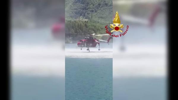 VIDEO| Nuovo elicottero antincendio dei Vigili del Fuoco: test a Suviana