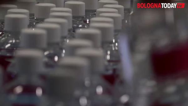 Coronavirus, la farmacia del Sant'Orsola produce farmaci e prodotti per disinfettare | VIDEO
