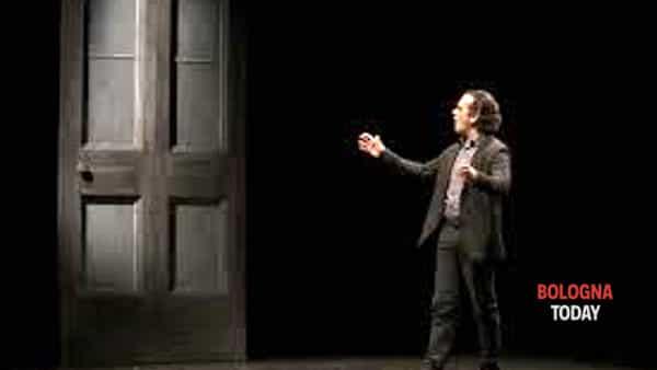 """""""Lo stronzo"""", il teatro di Andrea Lupo contro il femminicidio"""