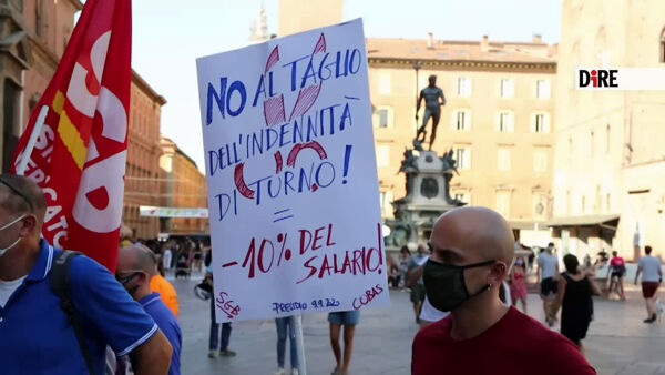 "Riaprono nidi e materne, la protesta in Comune: ""Assumete"" 