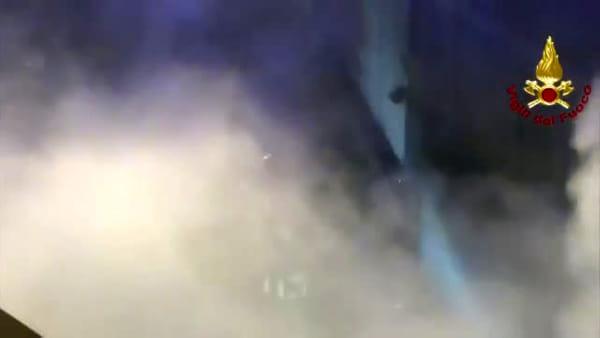 VIDEO| Incendio a Borgo Panigale: a fuoco magazzino abbandonato