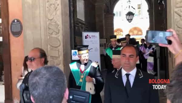 20 anni dal 'Processo Bologna', il corteo dei rettori di 200 università | VIDEO