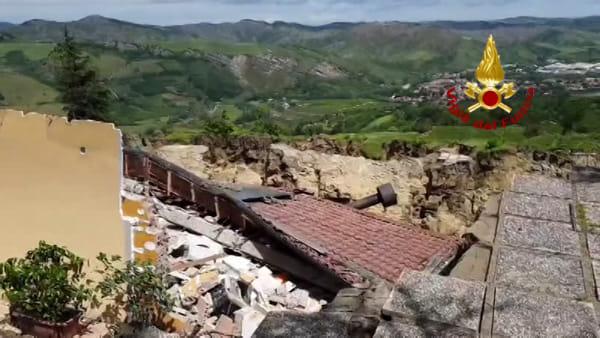 VIDEO| Frana, crolla abitazione