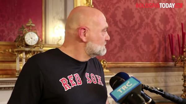 Taxi solidale durante il lockdown: a 'Red Sox' la medaglia Guazzaloca | VIDEO