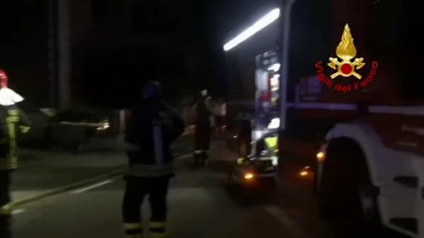Incendio a Bentivoglio, l'intervento dei vigili del fuoco | VIDEO