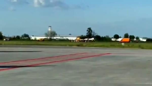 VIDEO| Piper bloccato sulla pista dell'aeroporto Marconi