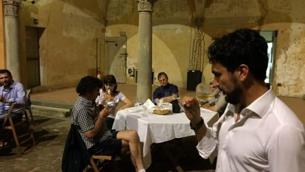 Serata con due vini romagnoli: Rebola e Famoso alla Rocca