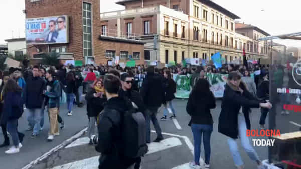 Corteo per il clima: il Friday for Future invade la città - VIDEO TIMELAPSE