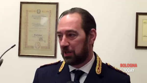 Denaro in cambio dei documenti in regola, in casa del legale 200mila euro | VIDEO