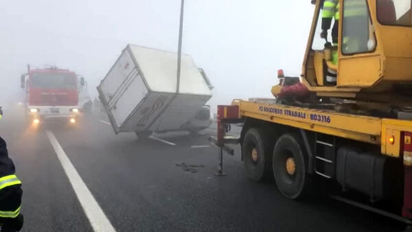 Incidenti sulla A13: due morti e autostrada chiusa|VIDEO