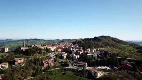 VIDEO| 'Monghidoro il mio paese': Gianni Morandi sponsorizza il suo paese natio
