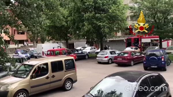 Incendio a Casteldebole: a fuoco appartamento, un residente in ospedale| VIDEO
