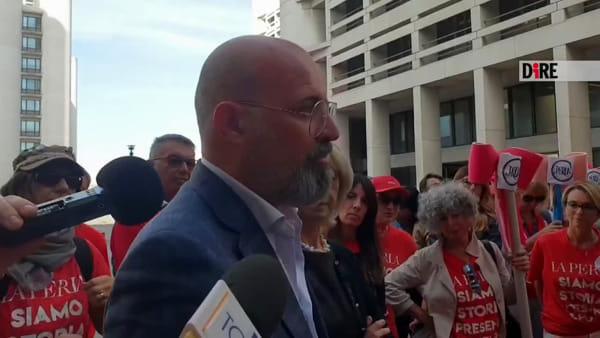 Crisi La Perla, ancora proteste sotto la Regione: presto il tavolo a Roma