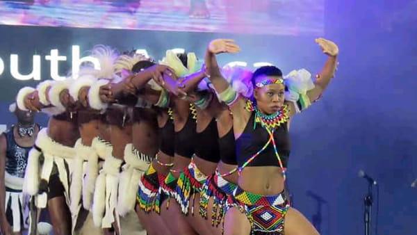 Festival Internazionale del Folclore: gruppi da Argentina, USA e  Sudafrica