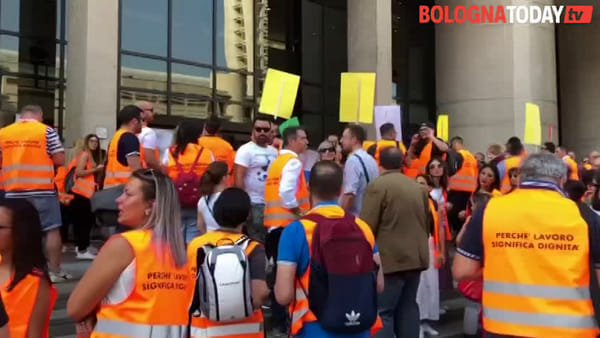 Chiusura centri scommesse e sale slot: la protesta in Regione\VIDEO