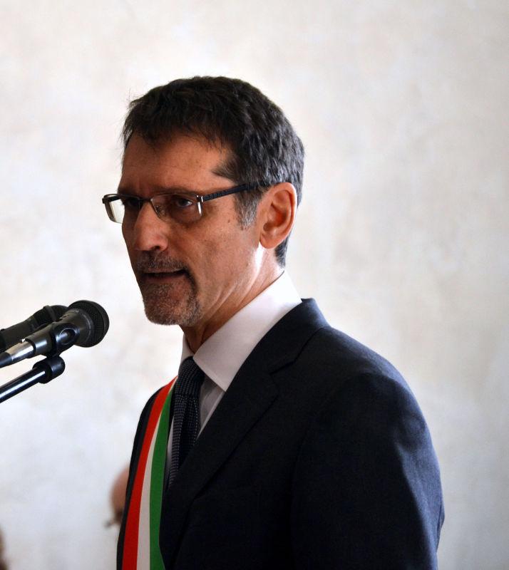 """Crisi di Governo, Merola: """"Vista dagli occhi di un sindaco, non ha senso"""""""