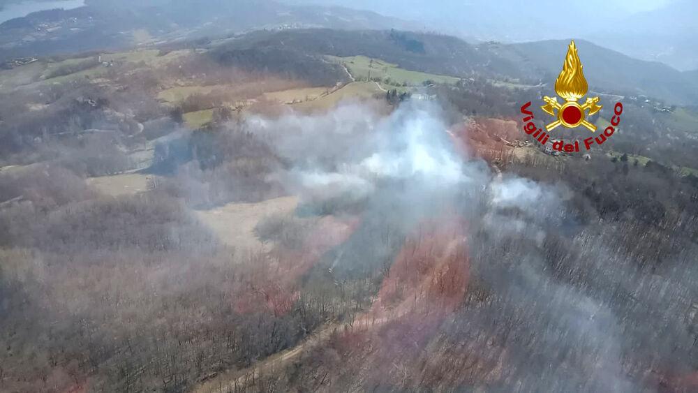 Grosso incendio a Castel di Casio,  in fiamme ettari di bosco| VIDEO