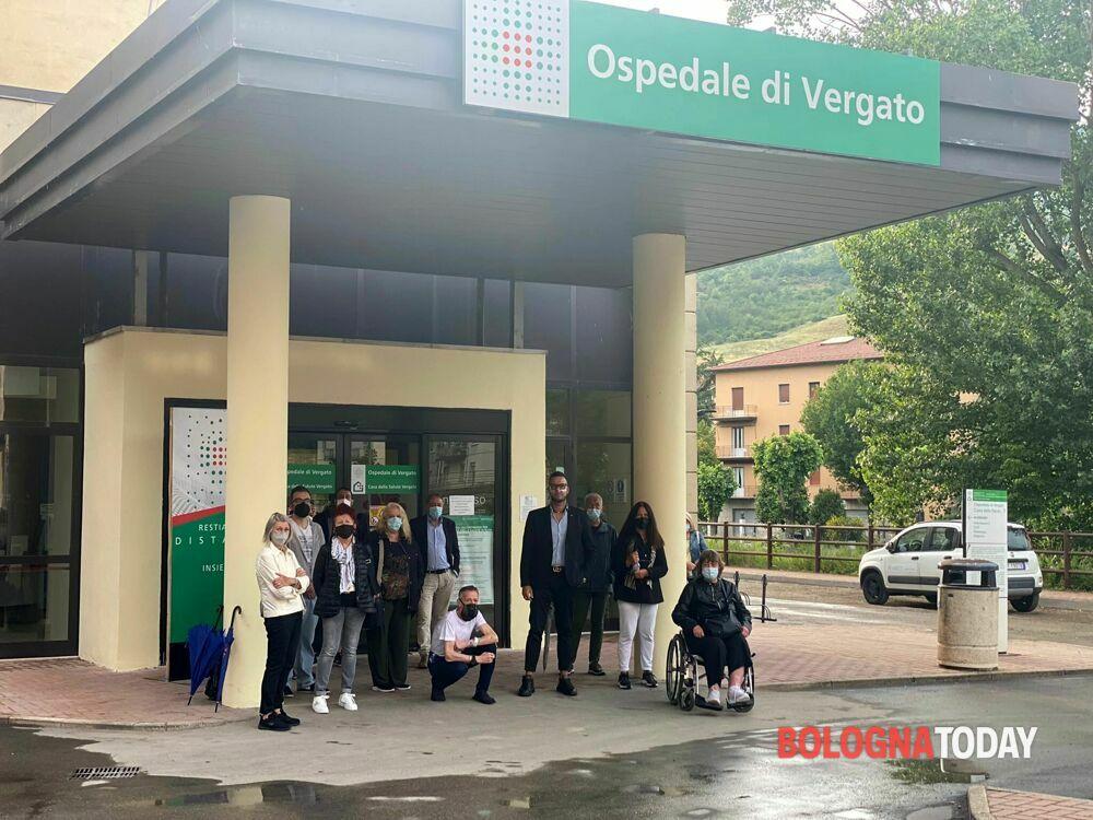 Vergato, la morte di Michele Merlo punta l'attenzione sull'ospedale : scatta la protesta di comitato e residenti