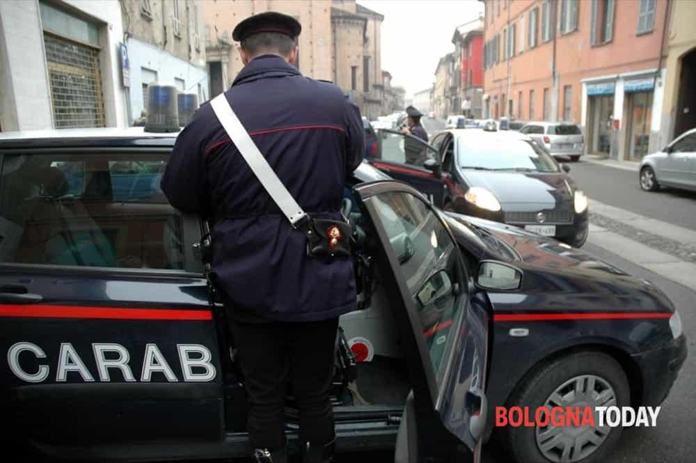Castiglione dei Pepoli, topo d'appartamento forza la porta: il vicino lo fa arrestare