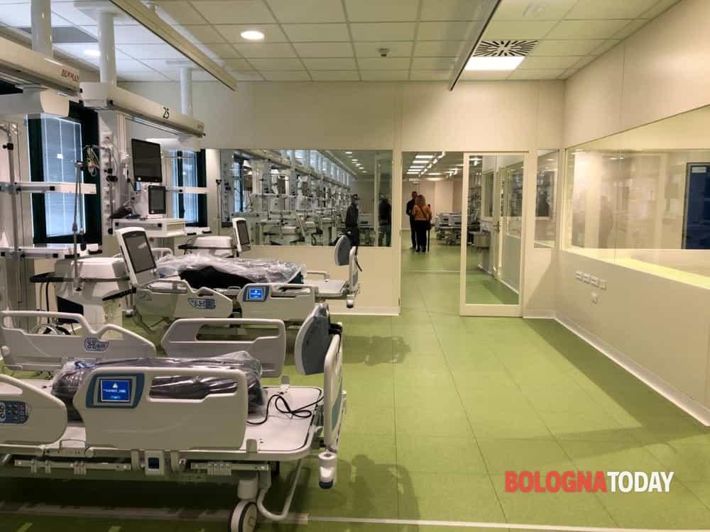 """Terapie intensive piene ancora piene, l'infettivologo del Sant'Orsola: """"A Bologna massima incidenza"""""""