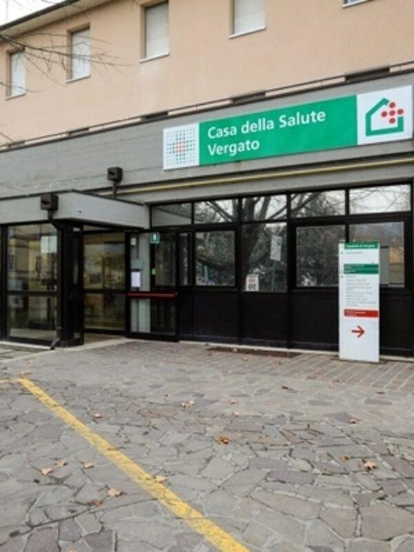Il Covid 'libera' Vergato: reparti dell'ospedale tornano ordinari