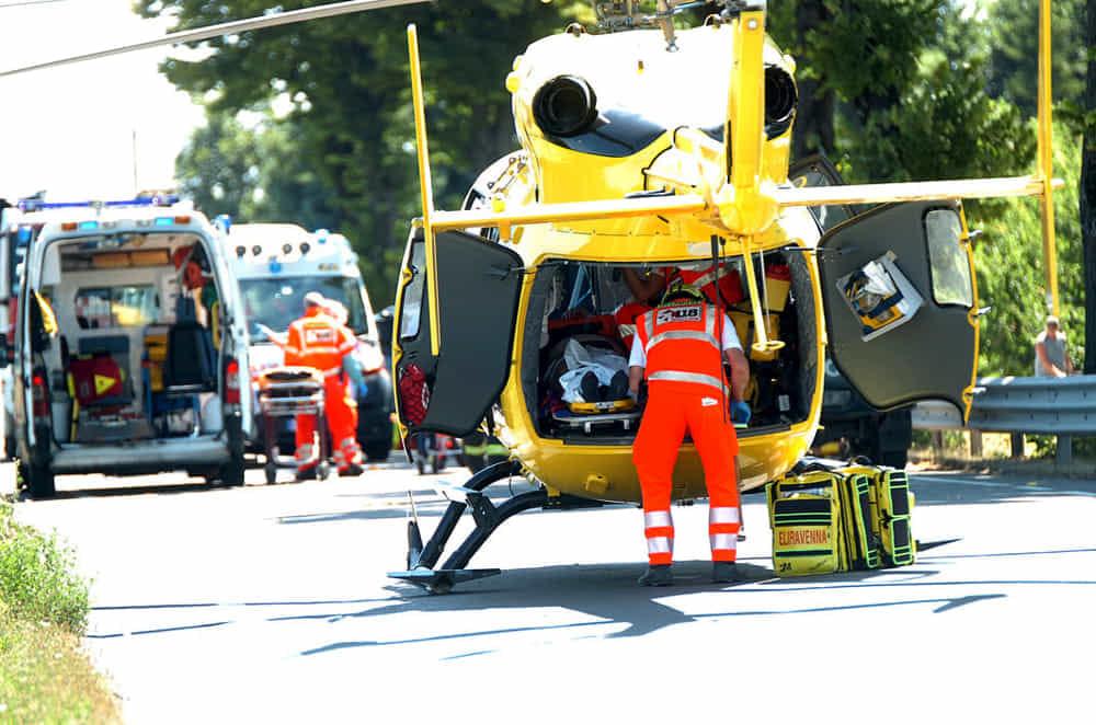 Incidente a Persiceto, scontro moto-camion: 52enne morto sul colpo, gravissima una ragazza