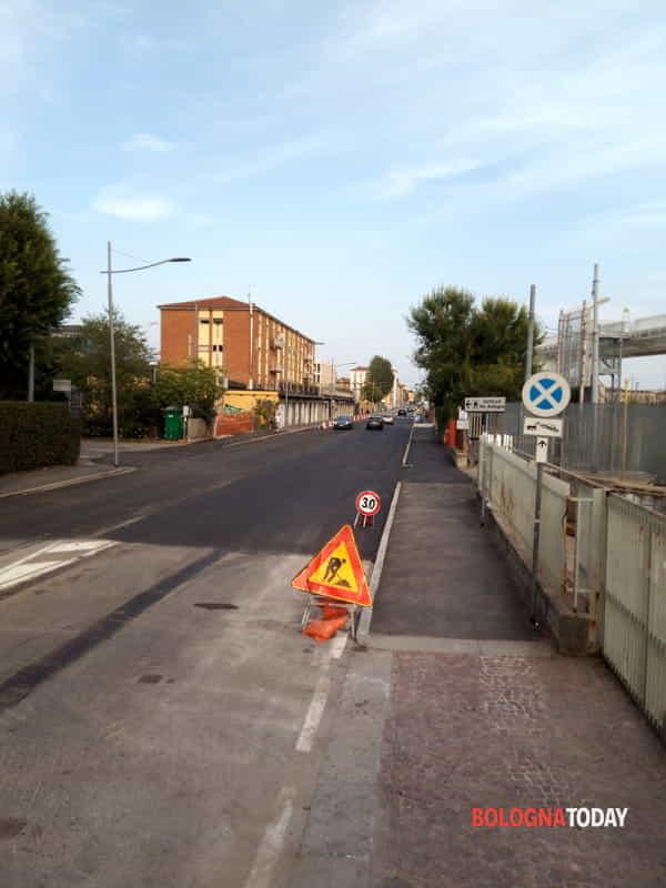Lavori urgenti Hera in via Carracci: strada chiusa al traffico