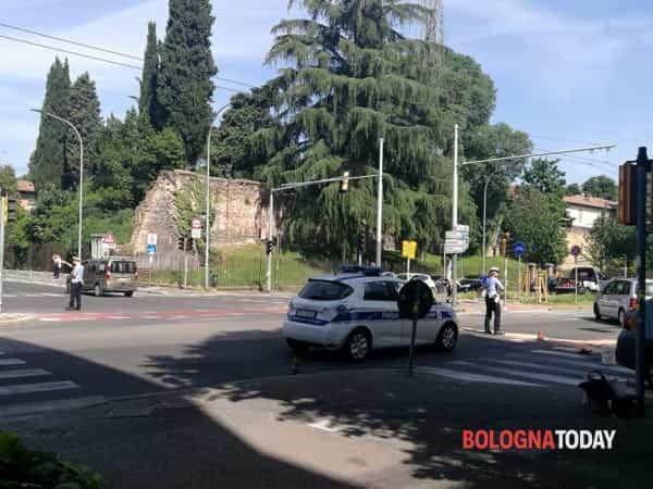 incidente viali _ interviene la polizia municipale (7)