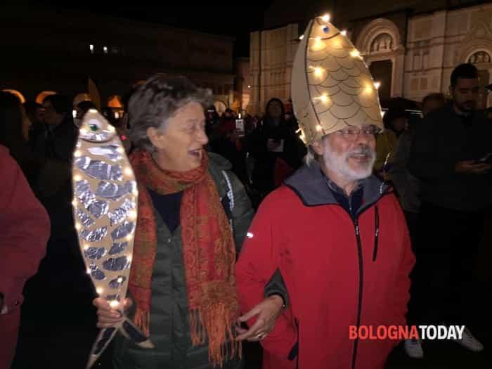 Sardine in Piazza Maggiore vs Salvini12