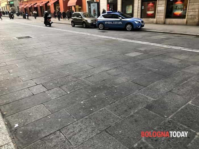 Rapina Unicredit via Rizzoli